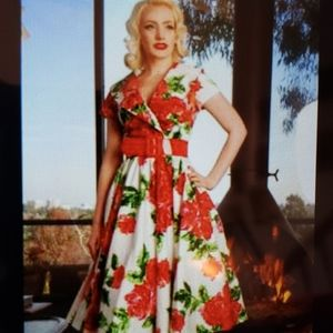 Pinup Couture Girl Birdie Roses size L VLV
